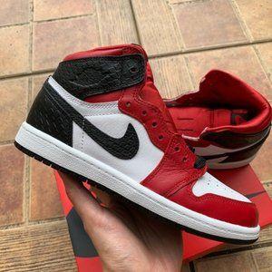 Air Jordan 1 High OG Chicago Satin Snake